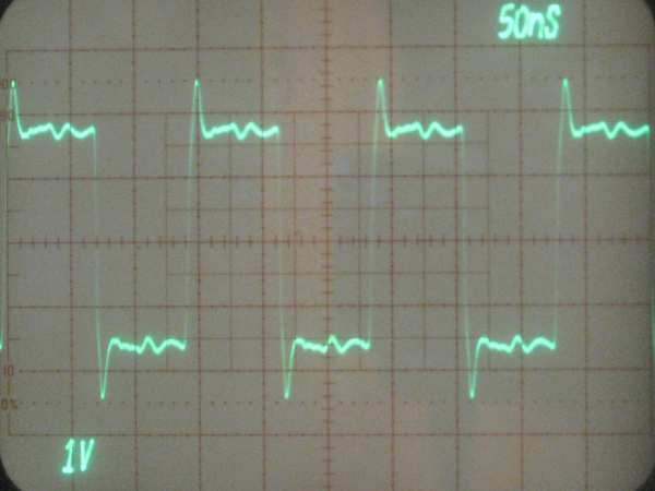 Waveform from the Si570 VFO